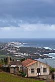 Как и все Азорские острова — рельеф с большими перепадами высот. На мой взгляд — преспектива захватывает дух.