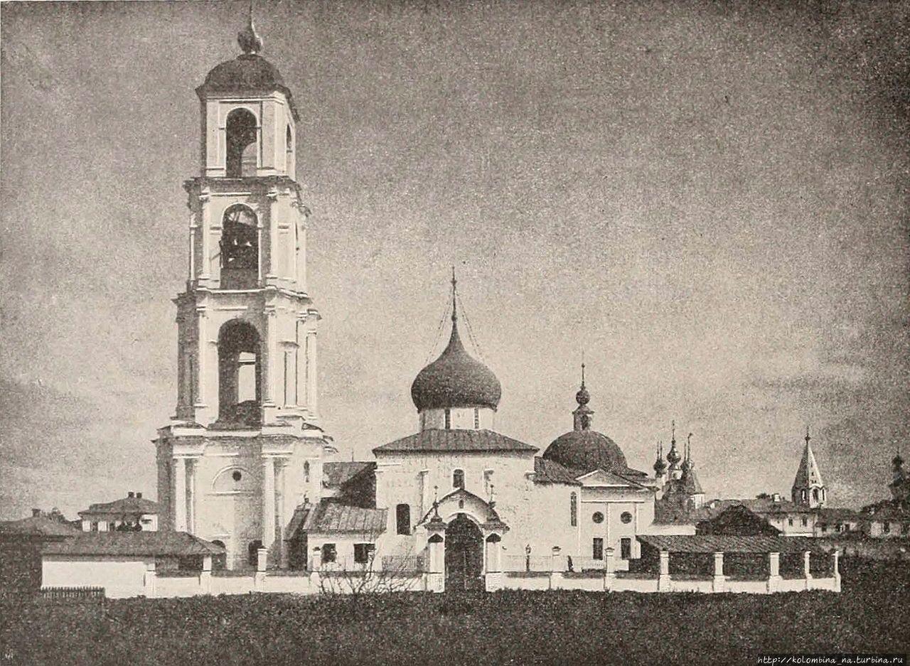 Кружевной Георгиевский собор Юрьев-Польский, Россия