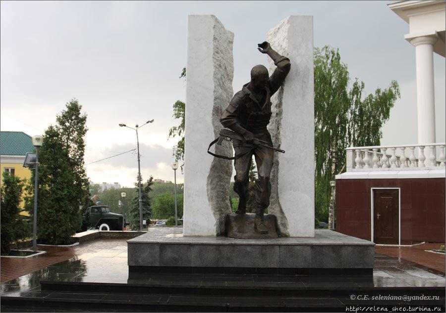 16.Памятник воинам-интерн