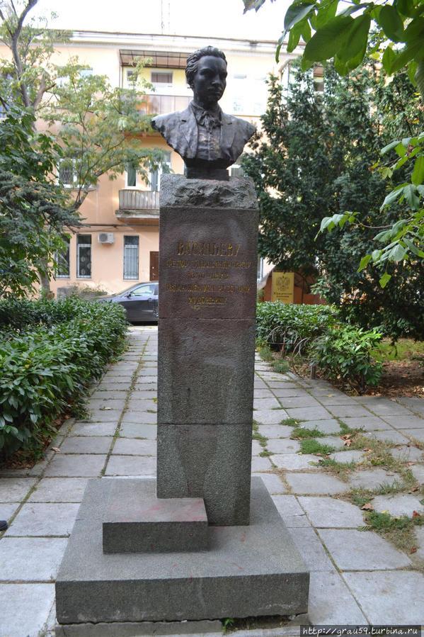 Памятник на Киевской улице