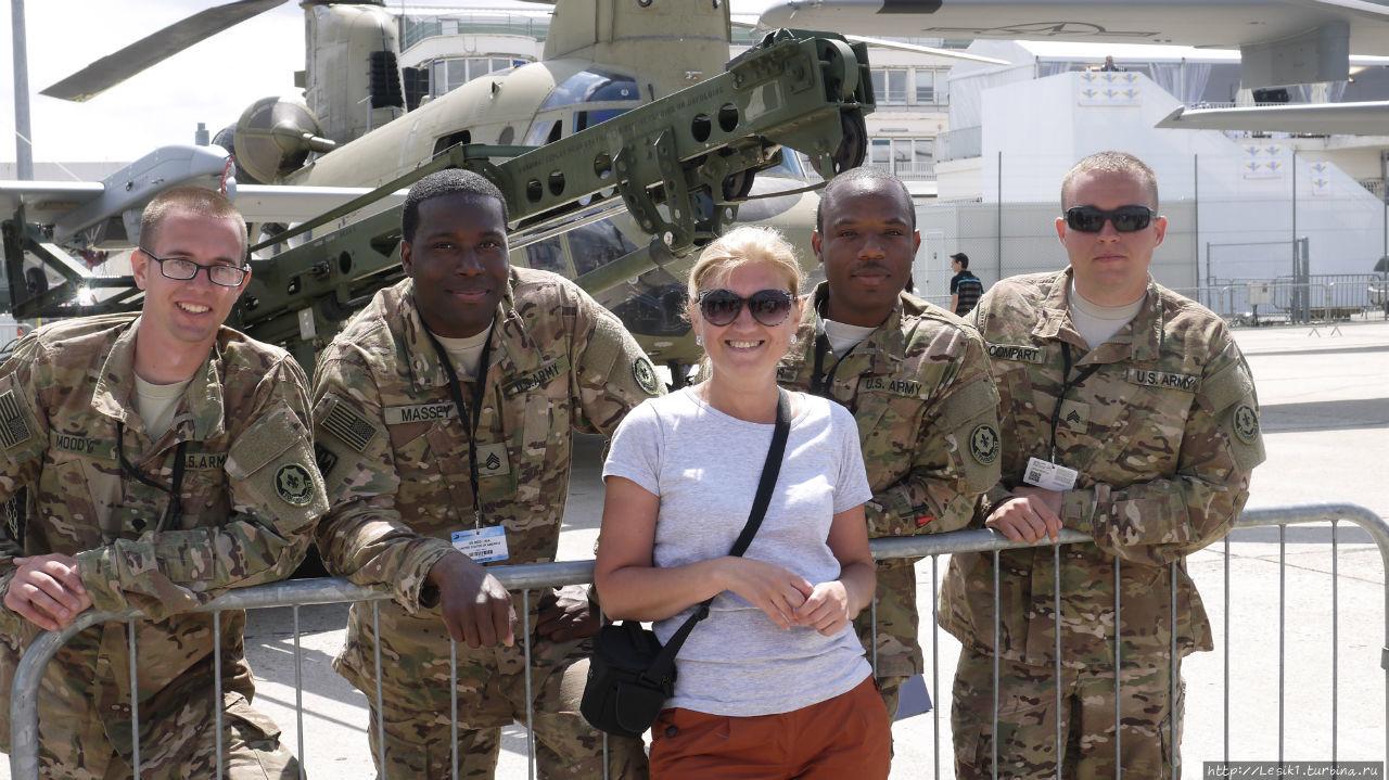 Фотосессия с американскими летчиками и авиатехниками