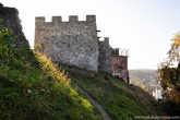 А вот и башня над «новым домом». Старинный замок – прекрасное место для местной детворы.