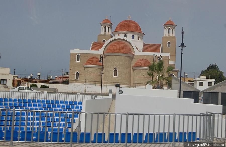 Новый храм Богородицы