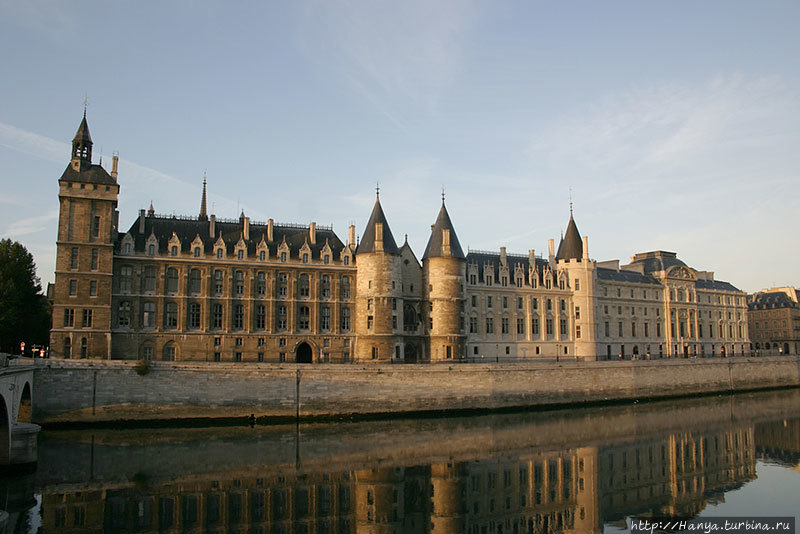 Париж, замок Консьержери.
