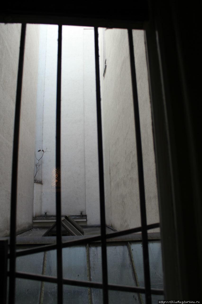 Вид из окна  спальни