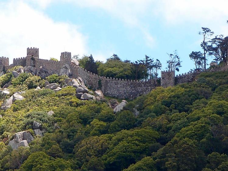 вид на замок Мавров из Ре