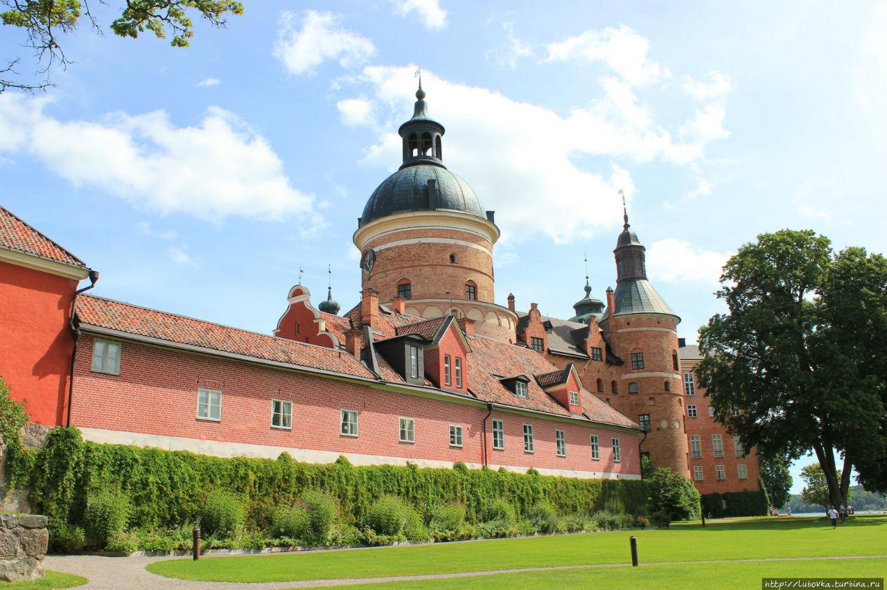 Замок Грипсхольм или все эпохи  под одной крышей