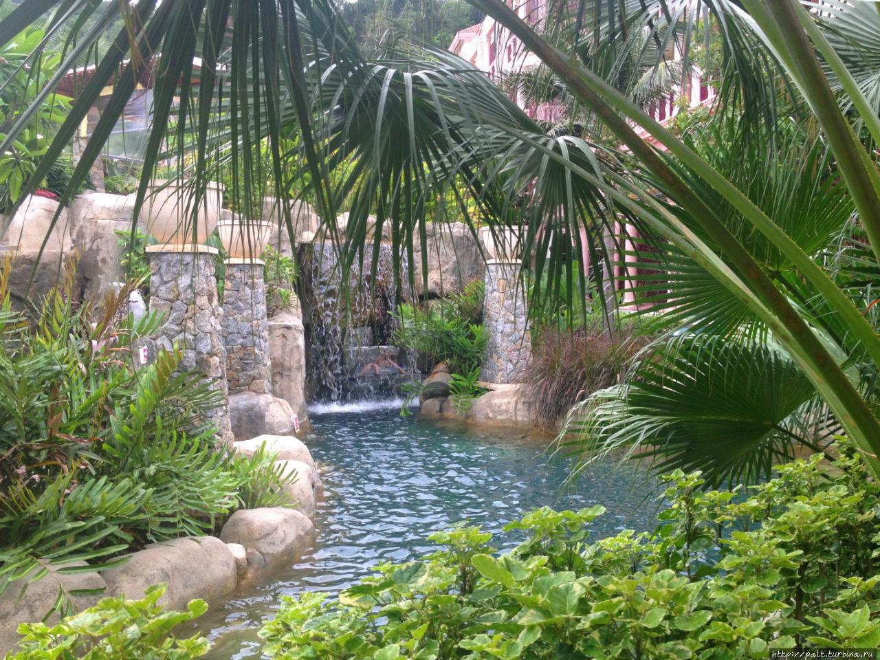 Ландшафтный аквапарк отел