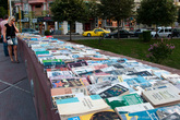 Прямо на набережной развернули книжный рынок. Книги не новые, но выбор большой.