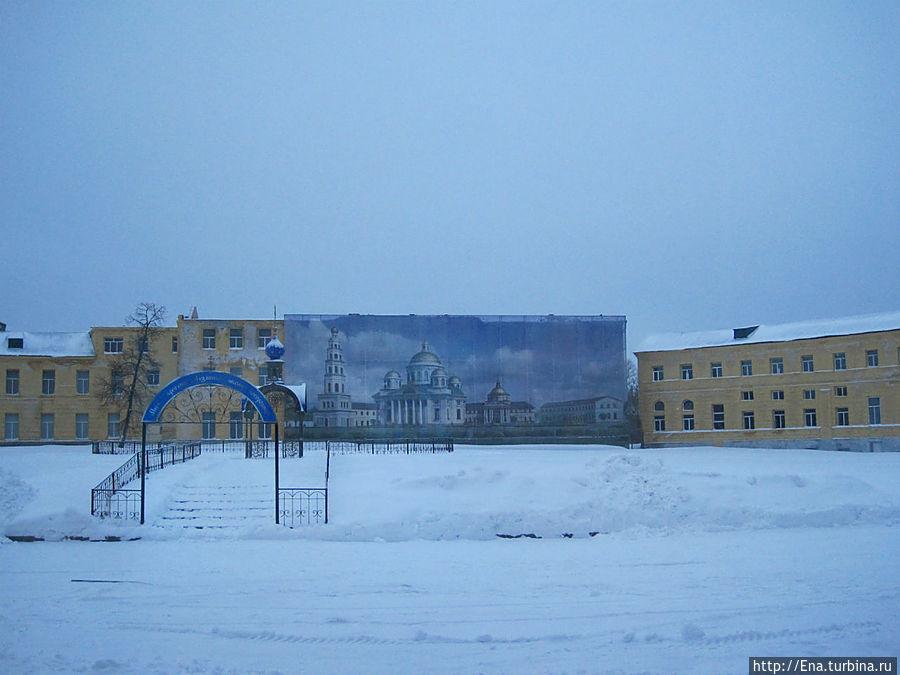 Место, где стоял Казанский собор.