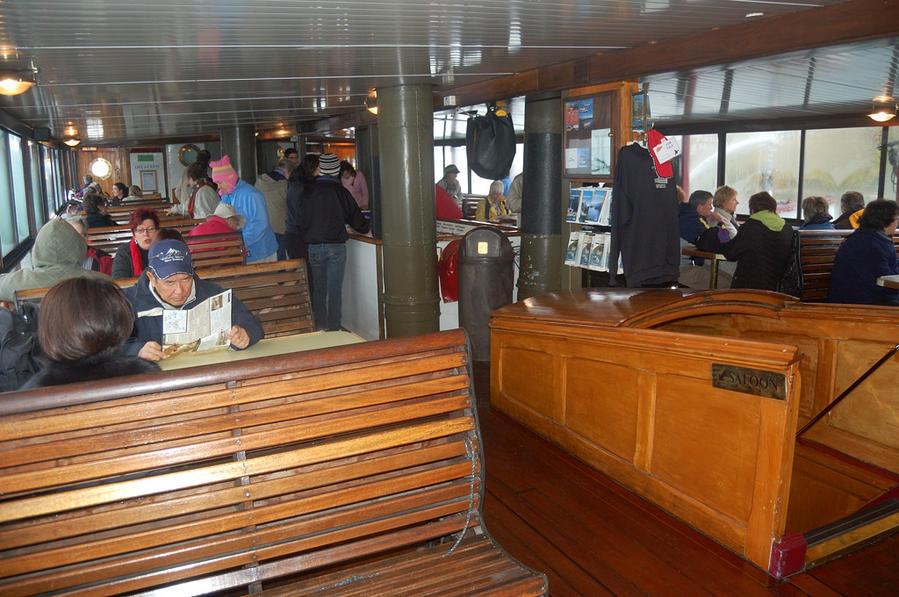 На кораблике по озеру Уакатипу Квинстаун, Новая Зеландия