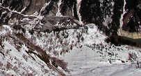 громада плотина, вид с высоты примерно 500 метров