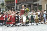 Шествие детей во время праздника Киндерцехе. фото из нета