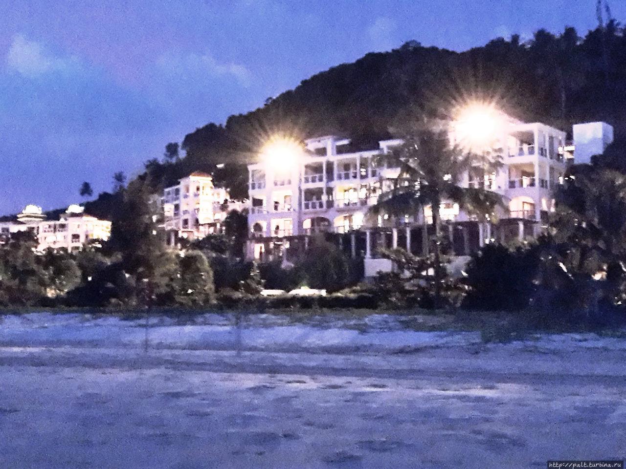 Корпус 1 отеля (вид с пляжа)