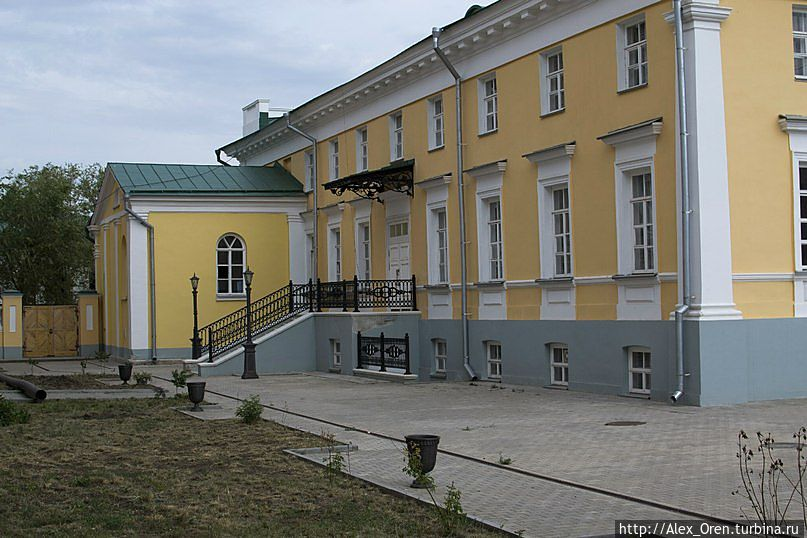 Фасад во двор
