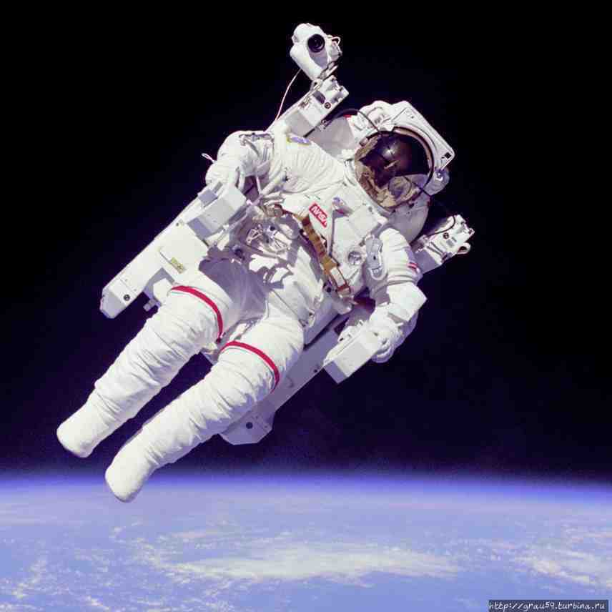 Американский астронавт Бр