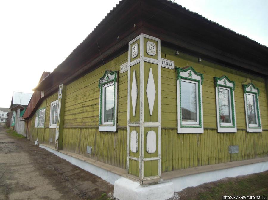 Угловой  дом. Уржум, Россия