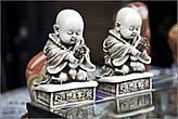 Буддизм всегда настраивает человека на созерцание и умиротворение! Меня всегда умиляют лысые головы монахов. И зачем они, интересно, бреются наголо? *