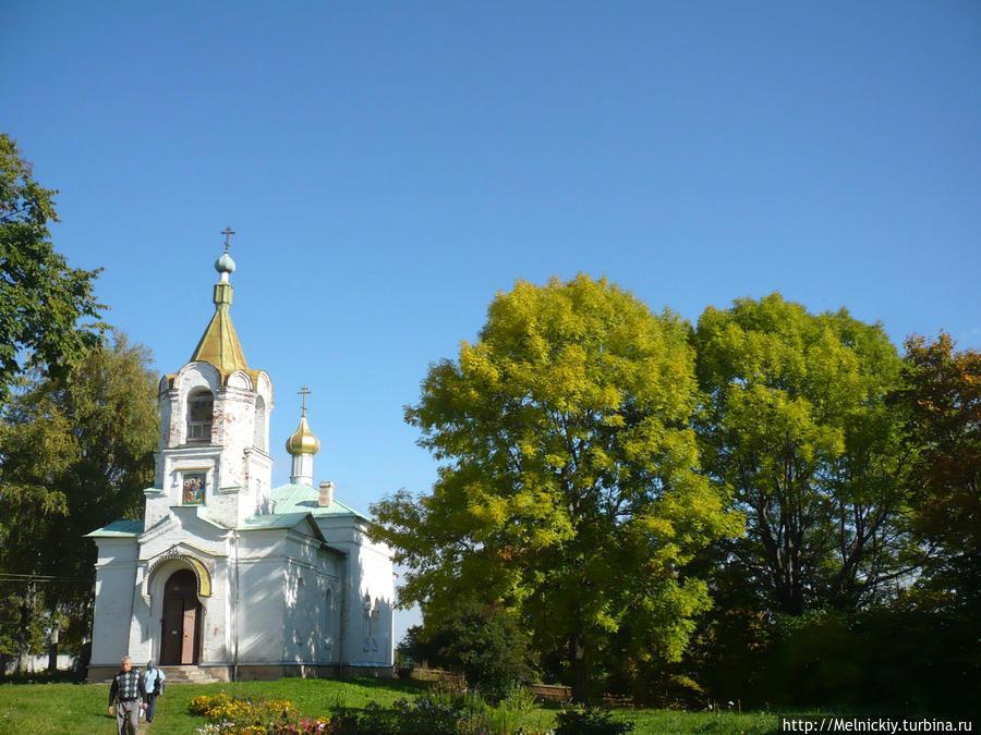 Свято-Троицкий женский скит и источник в  Сенно Бокситогорск, Россия