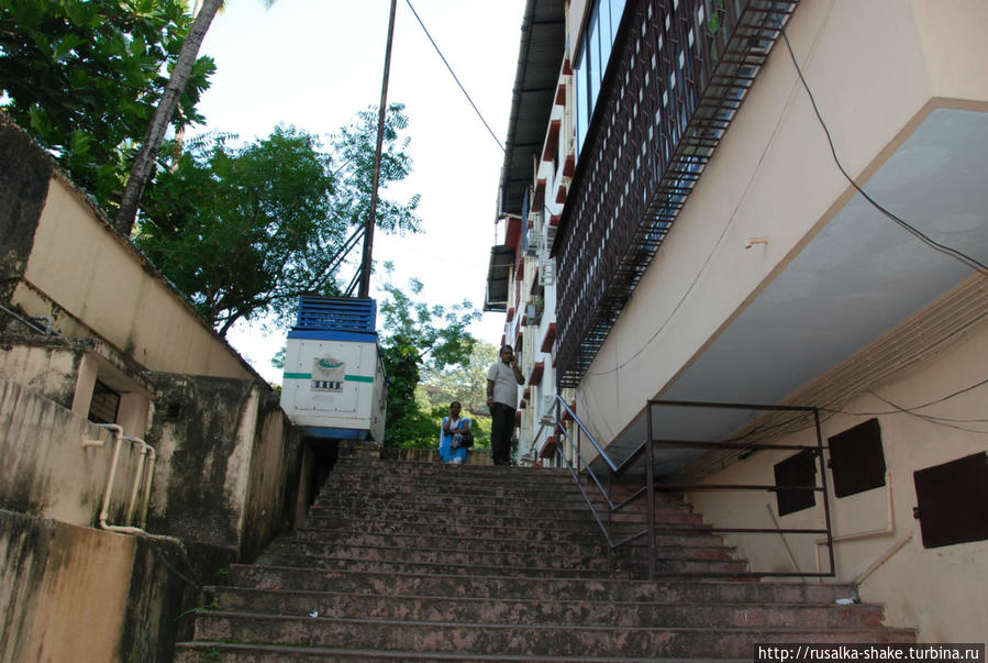 Джама Масджид, невзрачная коробочка Панаджи, Индия