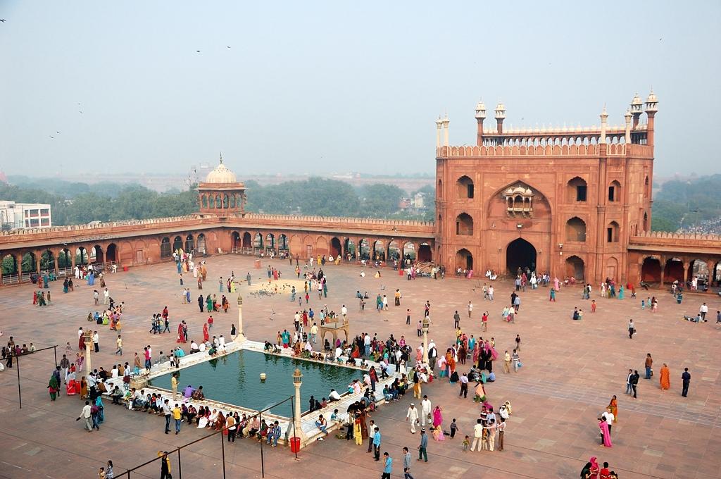 Делийская мечеть и велорикши — первое знакомство с Индией