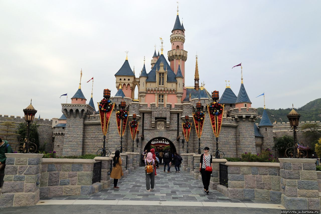 disneyland in hong kong good or bad Top 8 reasons to visit hong kong   one-day hong kong disneyland tour  and whenever you visit hong kong, you may have a good chance to experience the unique.