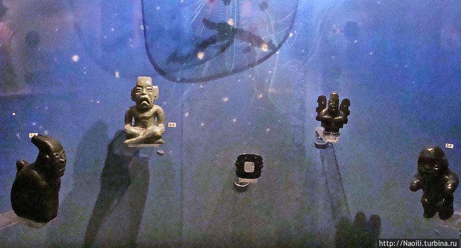 Эта коллекция фигурок из хаде обнаружена во время конструкции плотины на Мальпасо в 1960, если рядом сохранилось что-то еще, то сейчас оно под водой