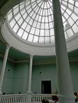 Купол зимнего сада (народная молва говорит, что до революции был из голубого и розового хрусталя).