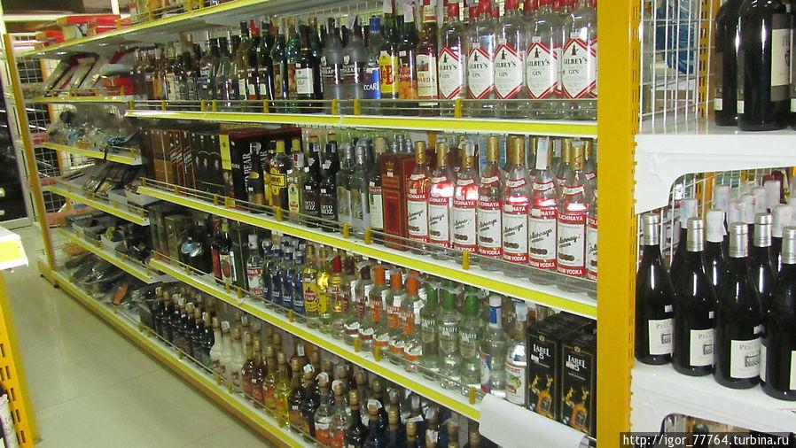 Самое дешевое спиртное в Сиануквиле. Сиануквиль, Камбоджа