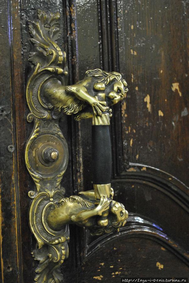 Ручка входной двери