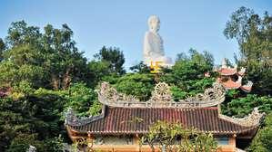 Свастика на груди Будды — наглядная демонстрация того, что этот символ проник в буддизм из Древней Индии, куда его, в свою очередь, принесли выходцы из Гипербореи