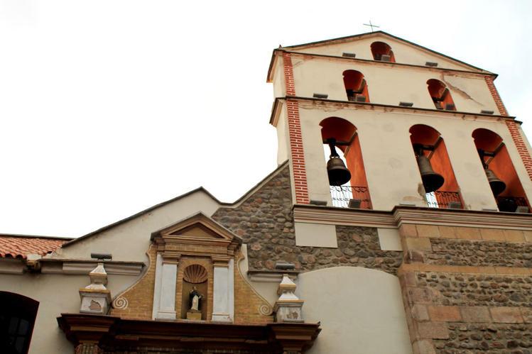 колокольня и часть фасада