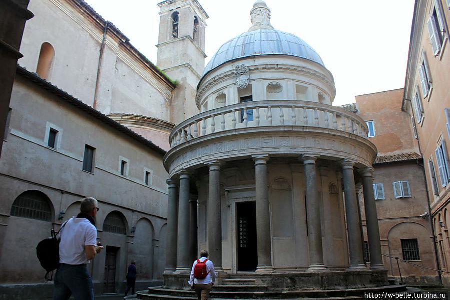 Донато Браманте Темпьетто. Часовня при церкви Сан-Пьетро ин Монторио на месте распятия апостола Петра, 1502 г.