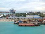 Багамский порт.