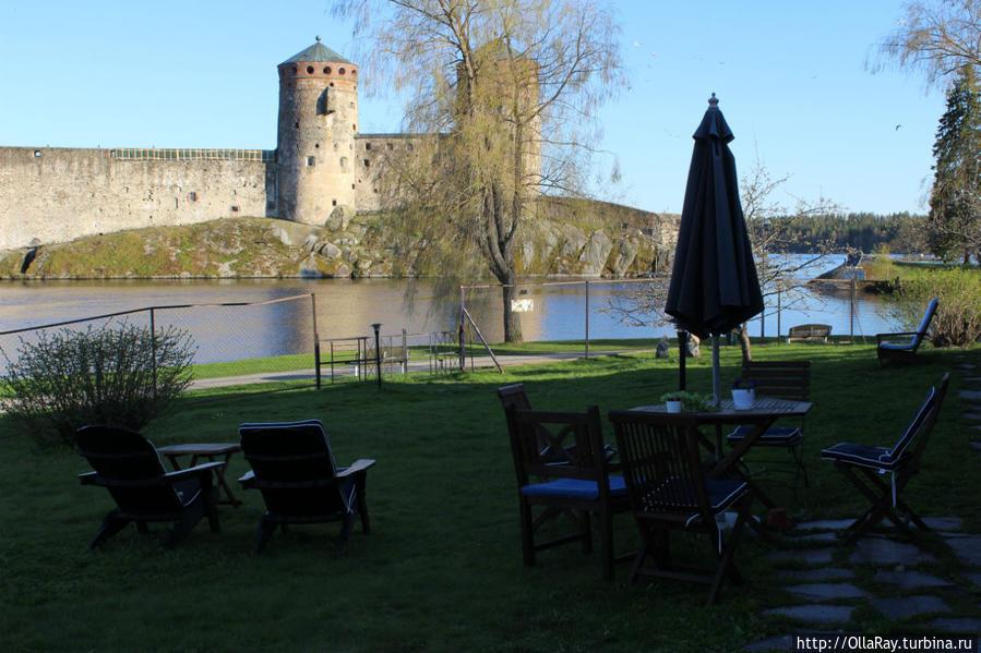 Вид на сад и крепость