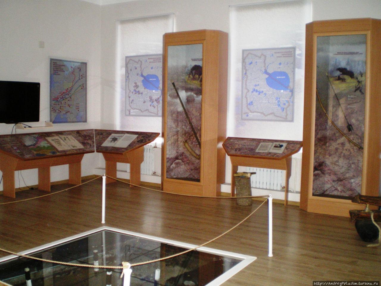 1 зал экспозиции Белозерск исторический. Здесь можно научиться добывать огонь трением и поучаствовать в археологических раскопках