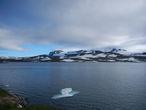 Вид от отеля на озеро Finsevatnet и ледник Hardanger Jokulen
