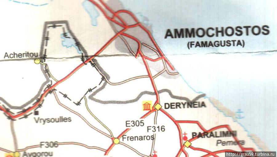 Толстая серая полоса — граница между Республикой Кипр и ТРСК, пунктирная линия — границы Декелии