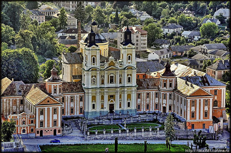 Монастырь Иезуитов. Кременец, Украина