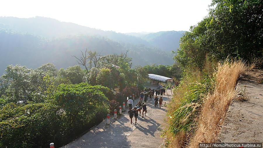 Долгая дорога к Золотому Камню Чайтхиё, Мьянма