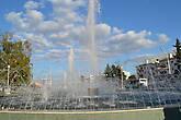 фонтан на привокзальной площади. Приветливо встречает гостей города))