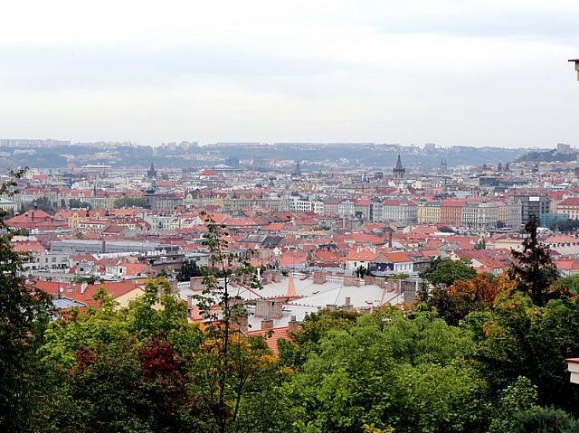 вид с улицы на Прагу