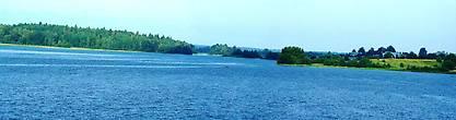 Панорама Бородаевского озера от входа в монастырь