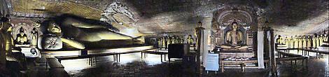 В пещере Маха Алут Вихарая размещено более 50 статуй Будды, и все разные. Одни сидят в позе лотоса, другие, стоя, окружают медитирующего Будду в центре зала, еще один, девятиметровый, мирно спит на кушетке. А потолок в пещере — цветной, расписанный картинками из жизни Будды. В общем, целая картинная галерея.