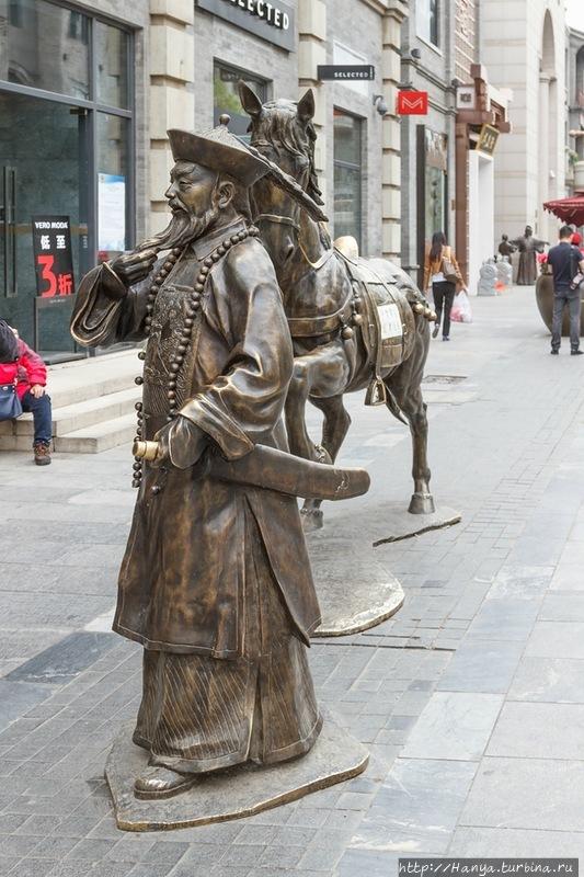 Пекин. Городская скульпту