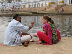 Ритуал Пуджа. Пушкар, Раджастан, Индия