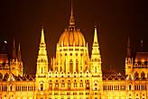 Центральный купол парламента. Высота — 27 м, диаметр — 20 м