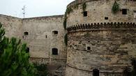Замок (Castello Aragonese)