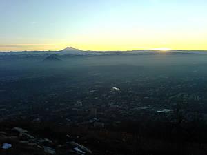 вид на Эльбрус с горы Машук в Пятигорске