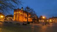 Ратуша, середина 14 века, вечером